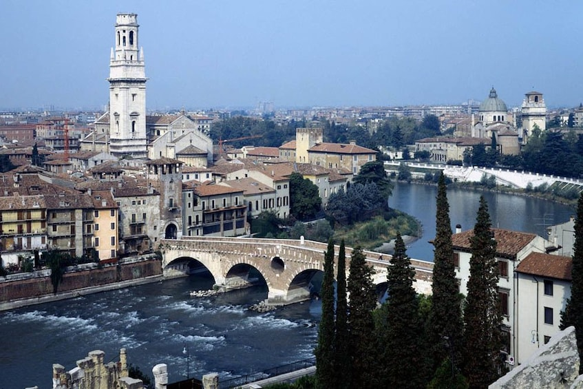 Charger l'élément 2 sur 8. Verona & Lake Garda Tour