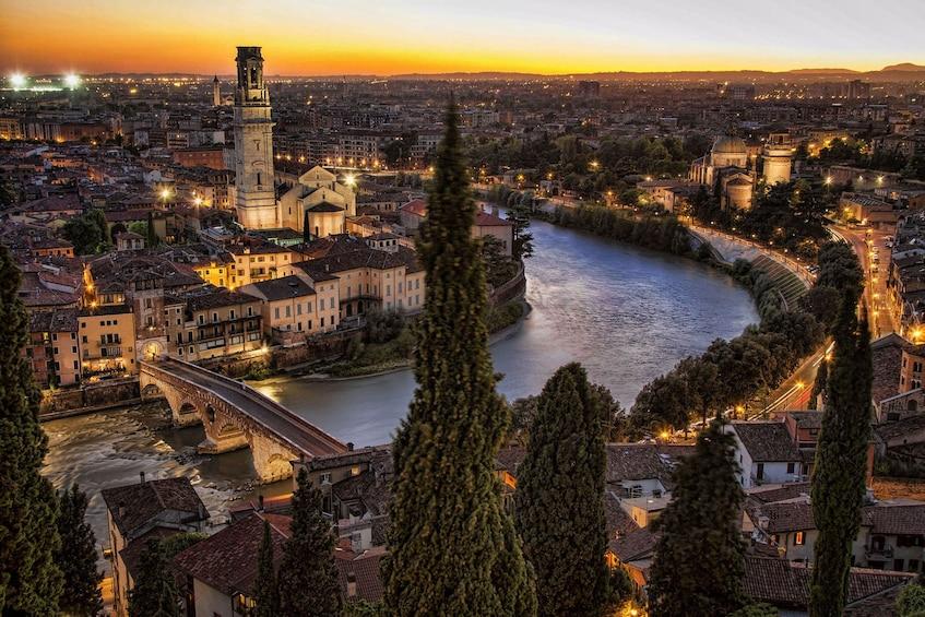 Charger l'élément 3 sur 7. Verona & Lake Garda Tour
