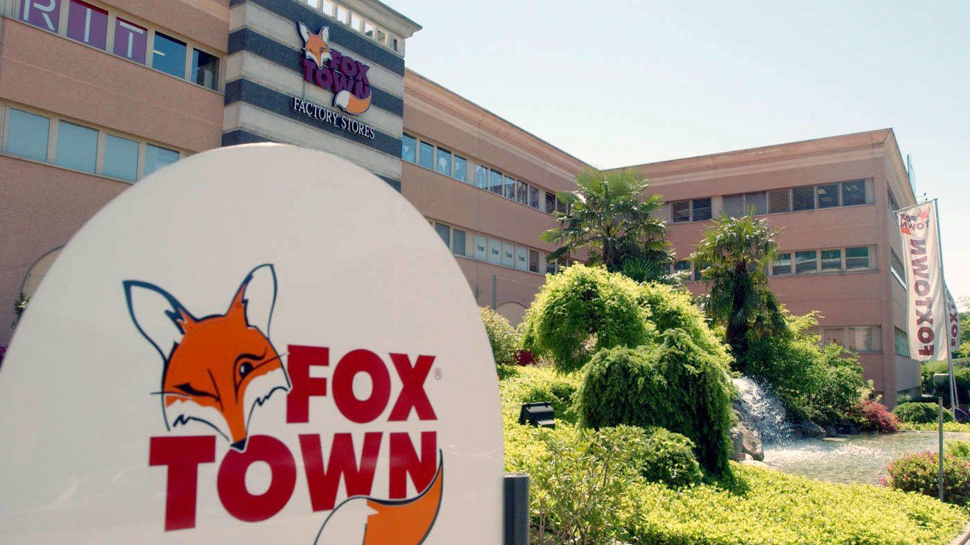 Fox town sign near Milan