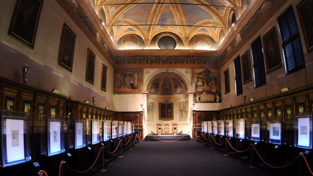 Foto 4 von 9 laden building interior in Italy