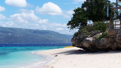 Sunny view of the beach and sand on Sumilon Island in the Philippines
