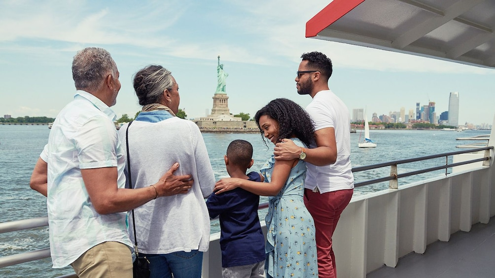 Charger l'élément 5 sur 10. New York City Explorer Pass: 90+ Tours & Attractions