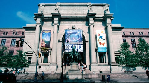 Entrance of the American Museum of Natural History in New York