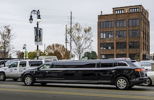 VIP City Highlights Tour by Stretch Limousine
