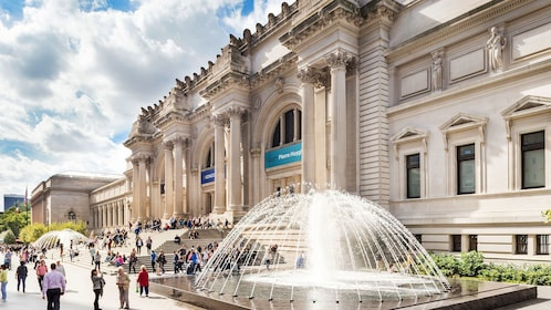 Facade and fountain of the Met in New York