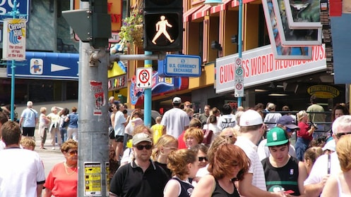 Crowded sidewalk in Clifton Hill in Niagara Falls