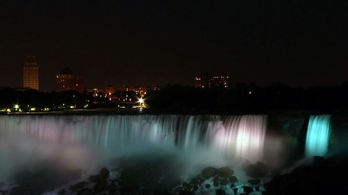 Niagara Falls lit up at night
