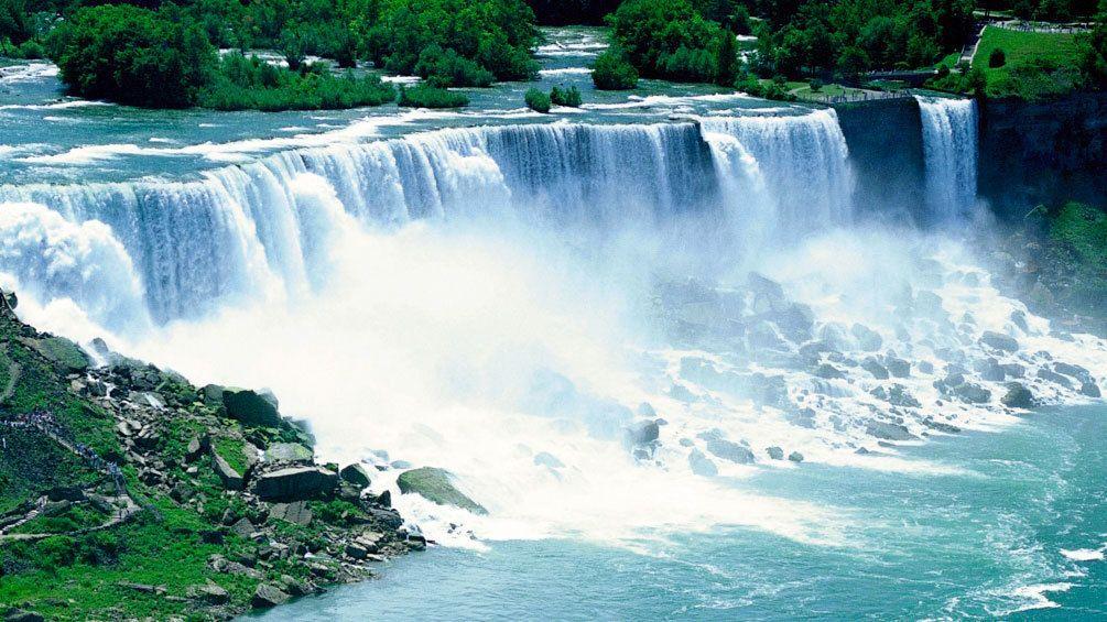 American side of Niagara Falls in New York