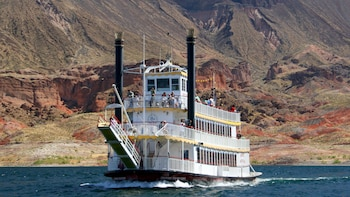 Hoover Dam & Lake Mead Cruise with Lunch