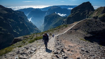 Pico do Arieiro to Pico Ruivo Guided Levada Hike