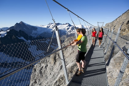 Mount Titlis with Cable Car & Lucerne Day Trip from Zurich