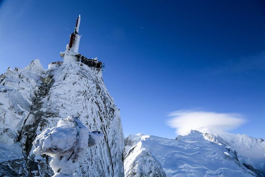 Charger l'élément 4 sur 9. Chamonix & Mont Blanc with Aiguille du Midi & Mer de Glace