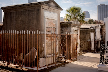 New Orleans Cemetery & Voodoo Walking Tour w/ Transportation