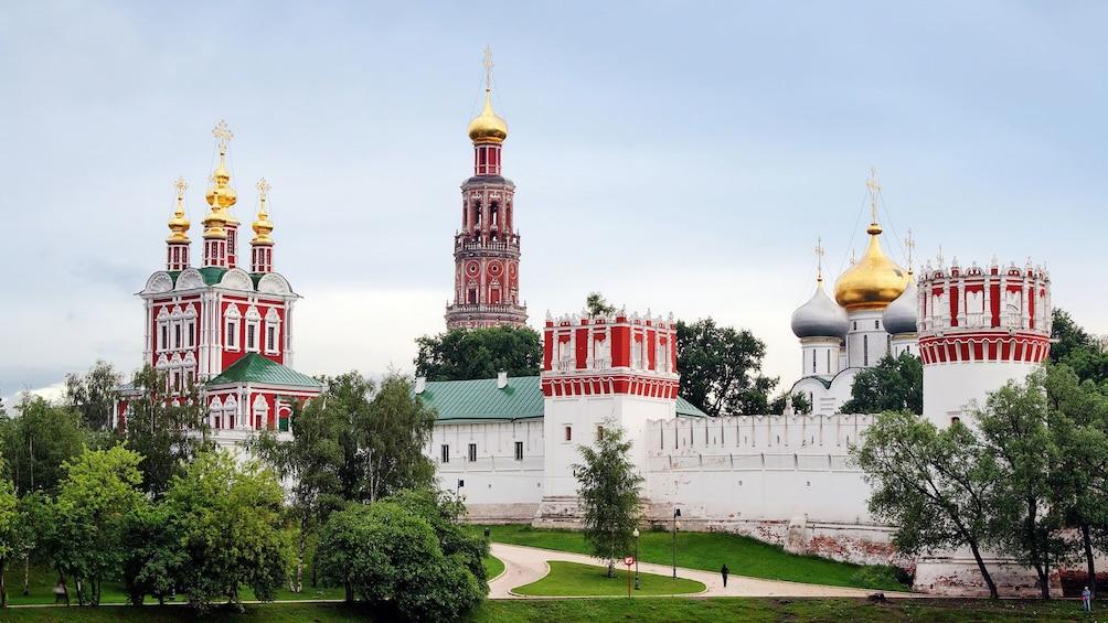 Charger l'élément 3 sur 5. Novodevichy Convent in Moscow