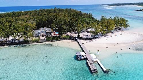 Exclusive Island Day Trip to Ile des Deux Cocos