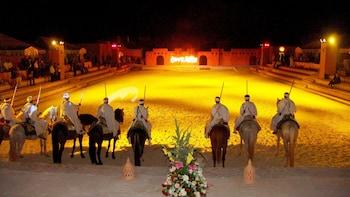 Tuhannen ja yhden yön marokkolainen juhlaillallinen ja fantasiaesitys