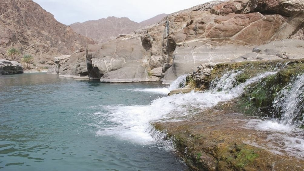 Wadi Al Abyadh full day tour