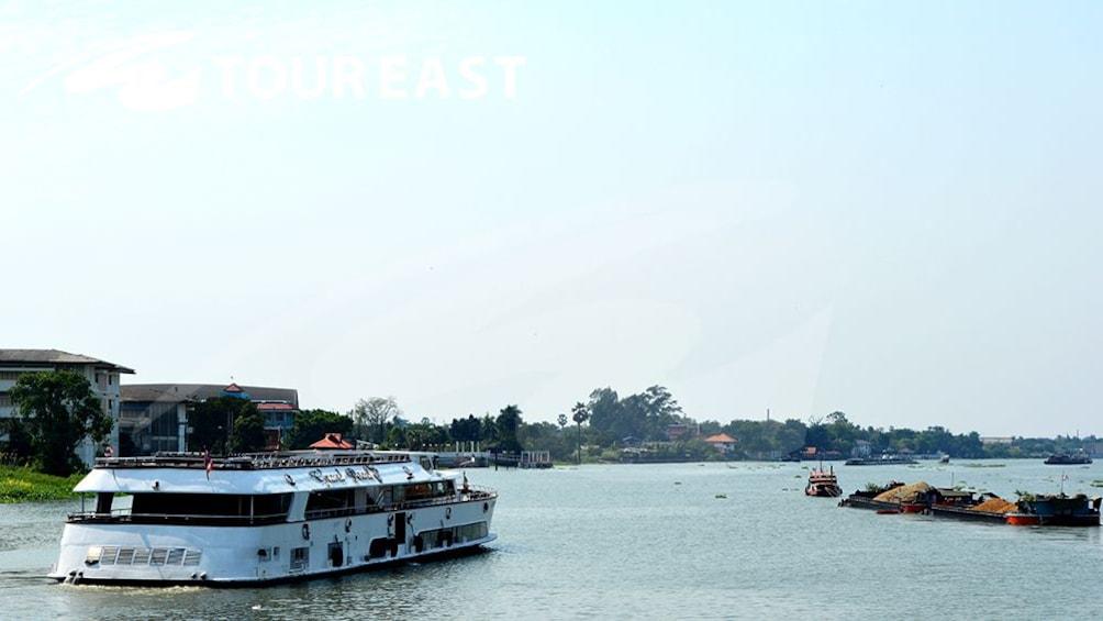 แสดงภาพที่ 11 จาก 11 Ayutthaya Ancient Capital with River Cruise, Lunch & Palace