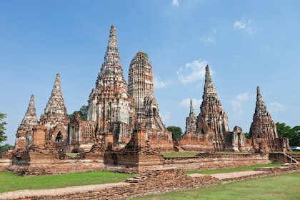 Ayutthaya Ancient Capital with River Cruise, Lunch & Palace