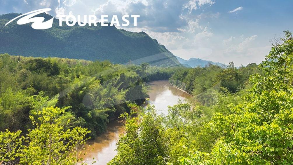 正在顯示第 4 張相片,共 10 張。 Bridge on the River Kwai with Speedboat, Train Ride & Lunch