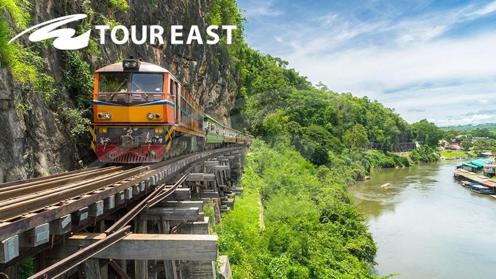 正在顯示第 1 張相片,共 10 張。 Bridge on the River Kwai with Speedboat, Train Ride & Lunch