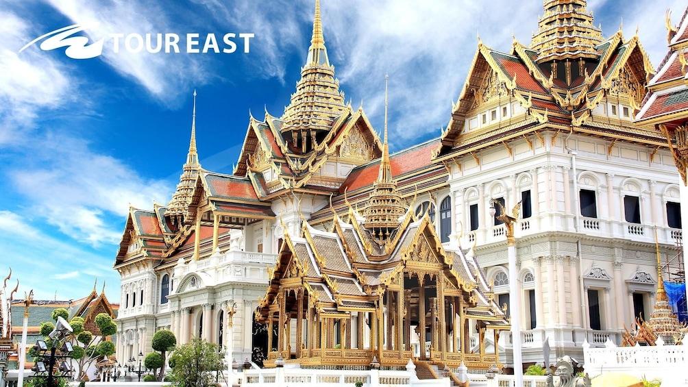 แสดงภาพที่ 1 จาก 10 Grand Palace & Emerald Buddha Half-Day Temple Tour