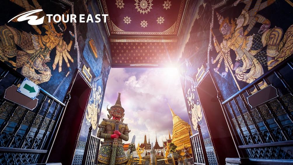 แสดงภาพที่ 10 จาก 10 Grand Palace & Emerald Buddha Half-Day Temple Tour