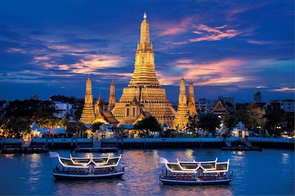 Bangkok River by Night Dinner Cruise with Entertainment