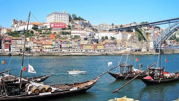 Ganztagestour nach Porto mit Bootsfahrt auf dem Fluss und Besuch eines Wein...