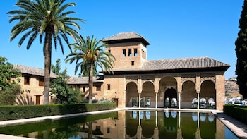Full-Day Excursion to Granada: Alhambra Palace
