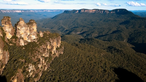 Amazing view of the 3 Sisters in Australia
