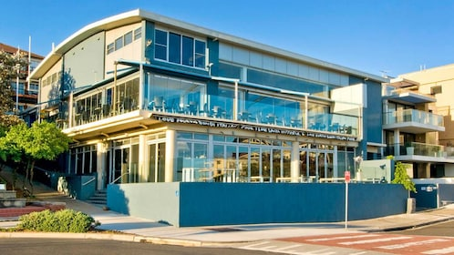 Building on land at Bondi Beach