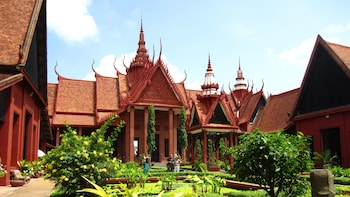 2-Day Private Tour of Phnom Penh's Must-See Sights