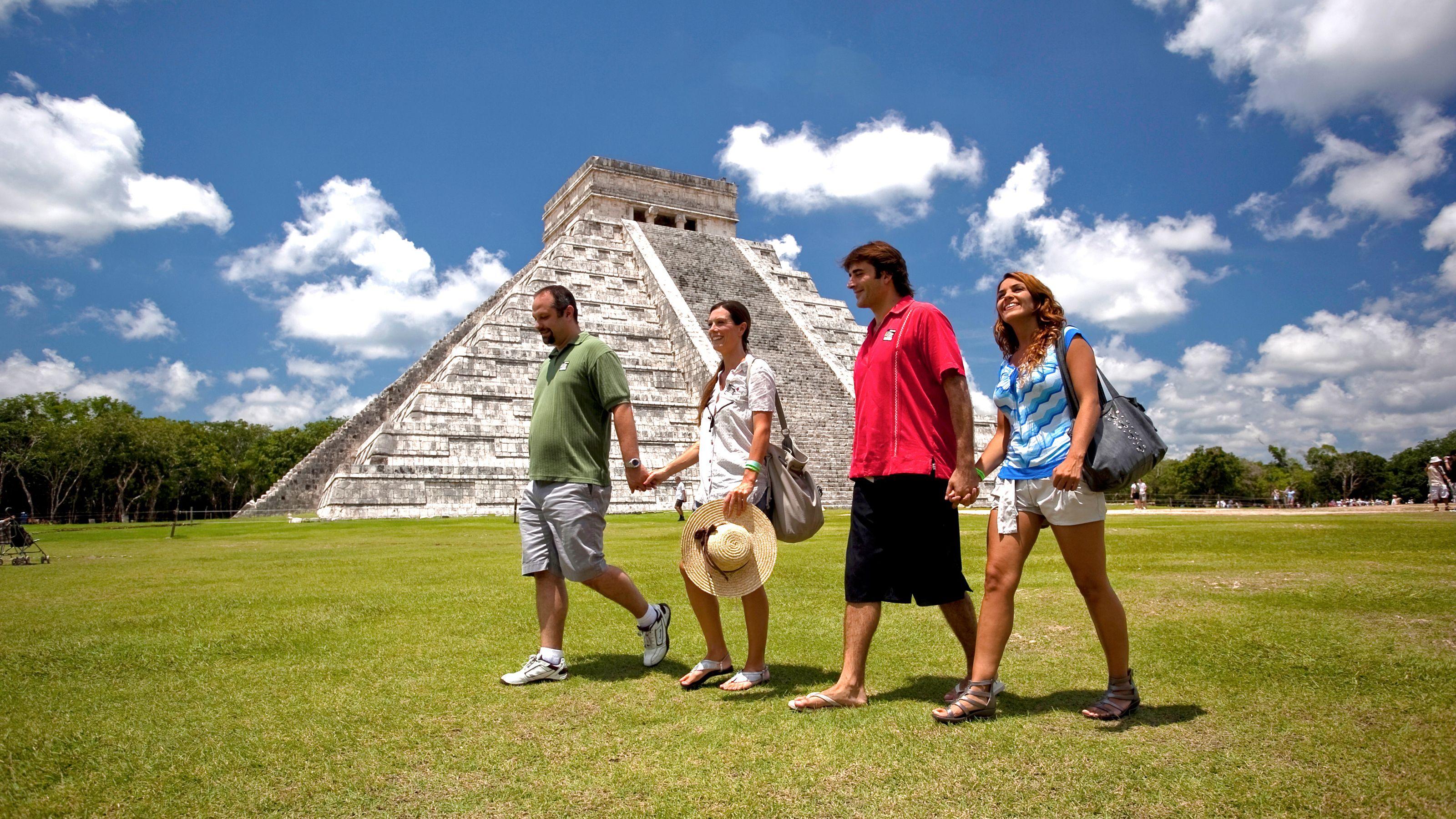 Dagstur till Chichén Itzá, Cenote Zaci och Valladolid med och lunch