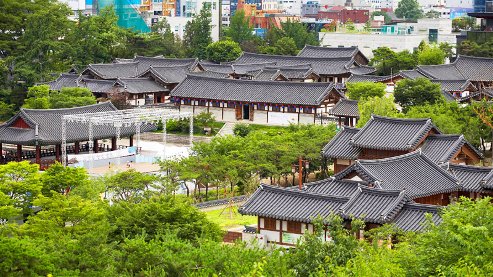 Beautiful aerial view of the palaces in Seoul