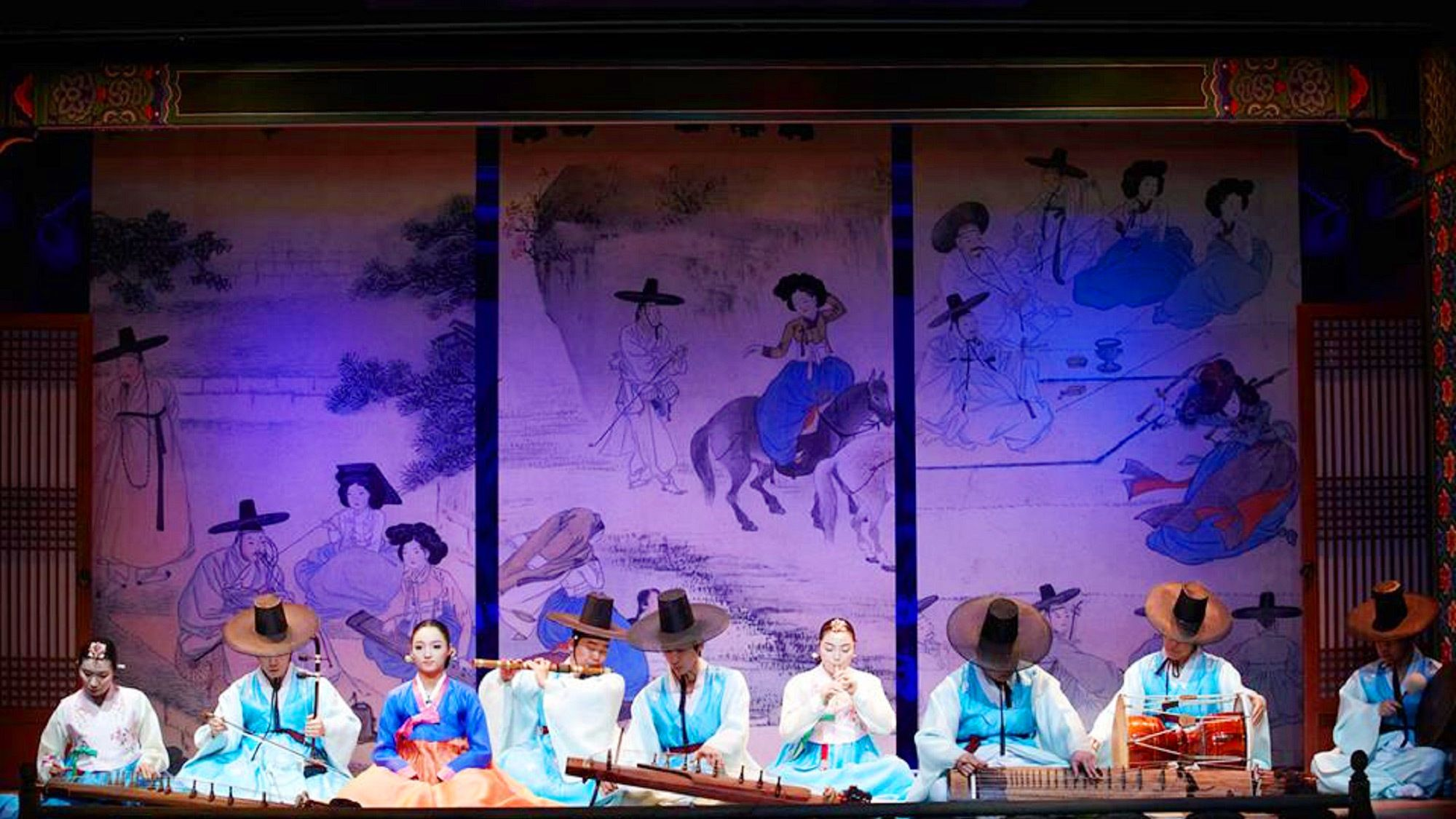 Impressive dance performance at the Korea House in Seoul