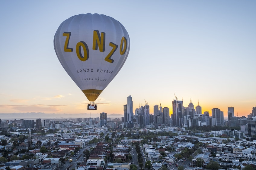 Charger l'élément 1 sur 10. Melbourne Sunrise Hot Air Balloon Flight