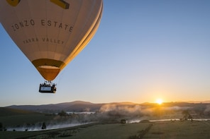 Yarra Valley Hot Air Ballooning with Champagne Breakfast