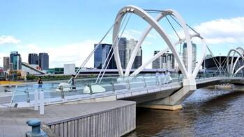 City Port & Victoria Docklands Cruise