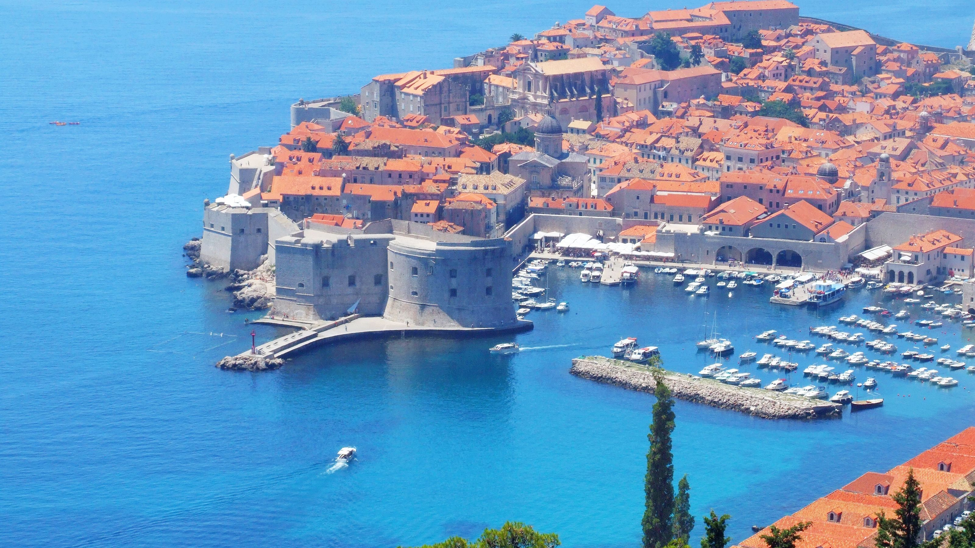 Clear day at the Pearl of the Adriatic in Dubrovnik