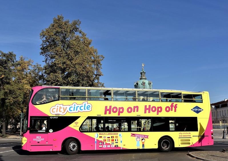 Cargar ítem 1 de 10. Hop-On Hop-Off Bus Tour