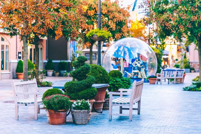 Apri foto 9 di 9. Maasmechelen Village Shopping Express from Brussels