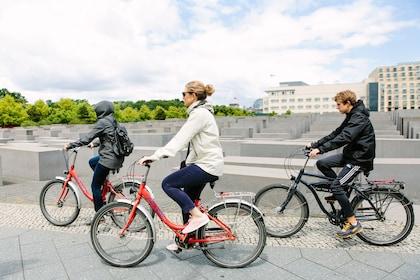 Berlin Wall Bike Tour 9.jpg