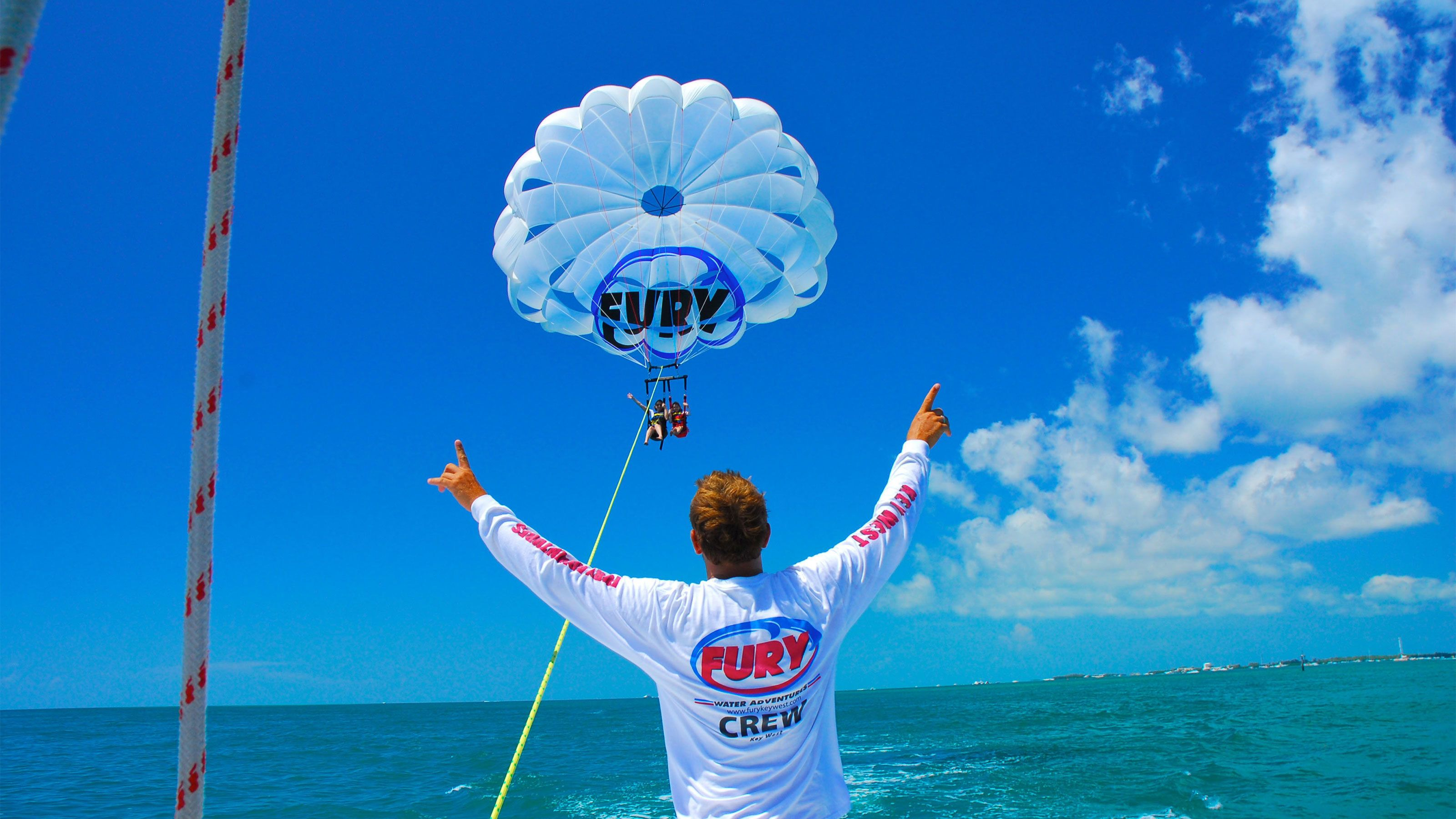 Sunny day for parasailing in Key West