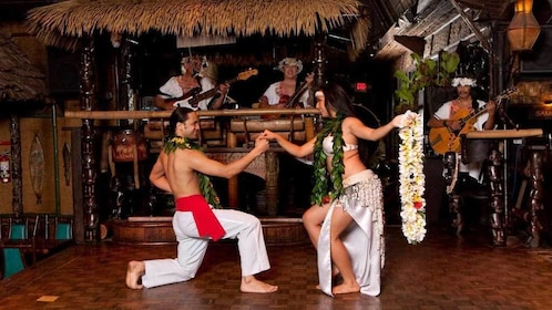 Dancers at the Mai Kai Polynesian Dinner Show in Fort Lauderdale
