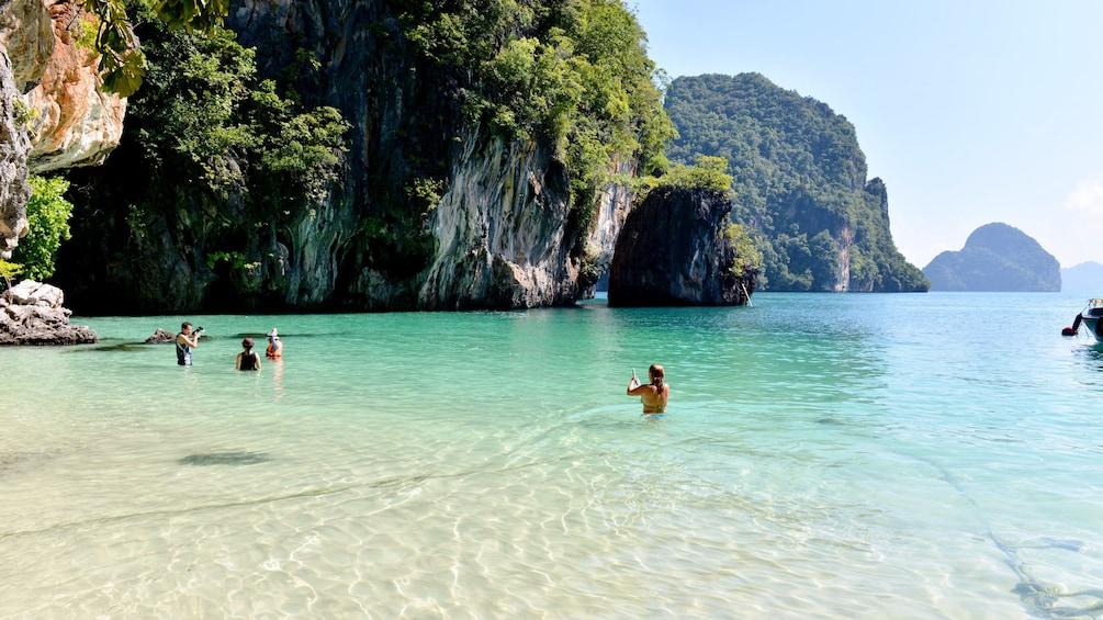 Foto 5 von 5 laden beach in thailand