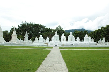 Excursion to Chiang Mai's Ancient Temples