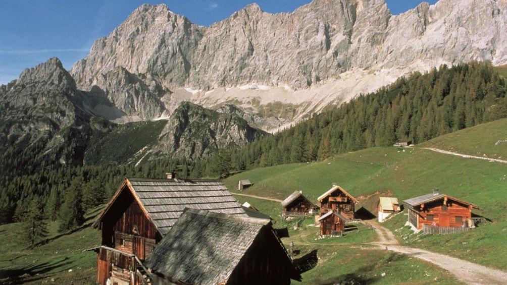 Foto 2 von 5 laden Local residences in Berchtesgaden, Germany