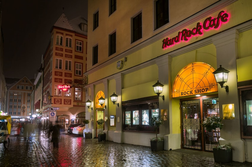 Ver elemento 1 de 10. Hard Rock Cafe Munich Dining with Priority Seating