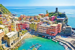 Cinque Terre tour with Limoncino tasting from La Spezia